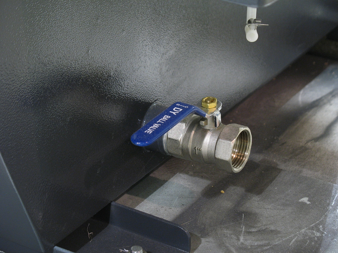 Drain valve on Timesavers WDC dust collection system